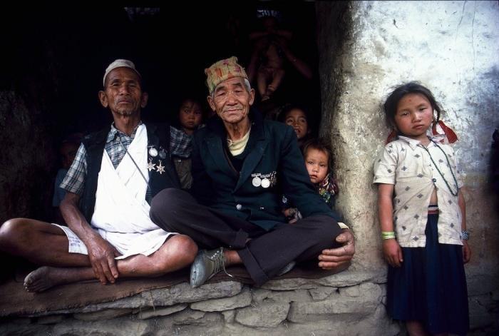 Собиратели дикого мёда в Непале